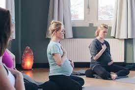 Zwangerschapsyoga bij Yogaschool Noord in Amsterdam